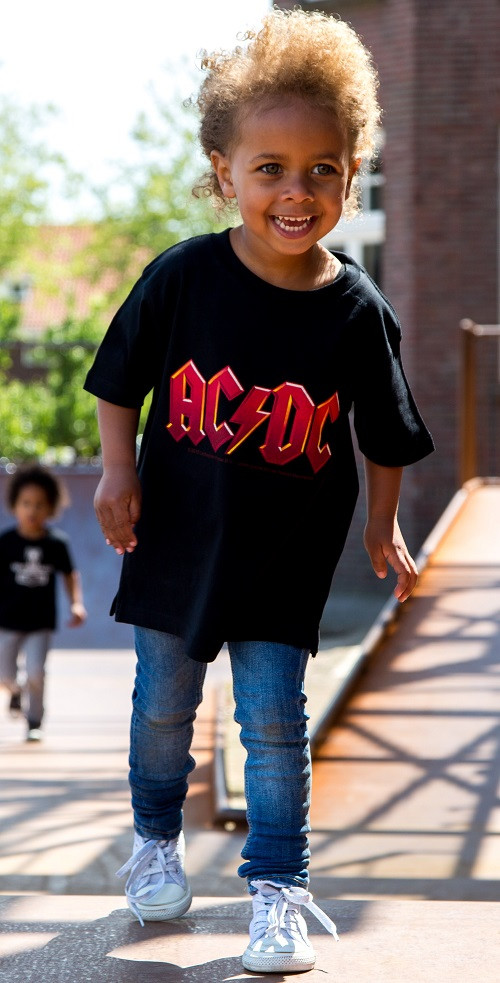 ACDC Kinder T-Shirt Logo colour ACDC fotoshoot